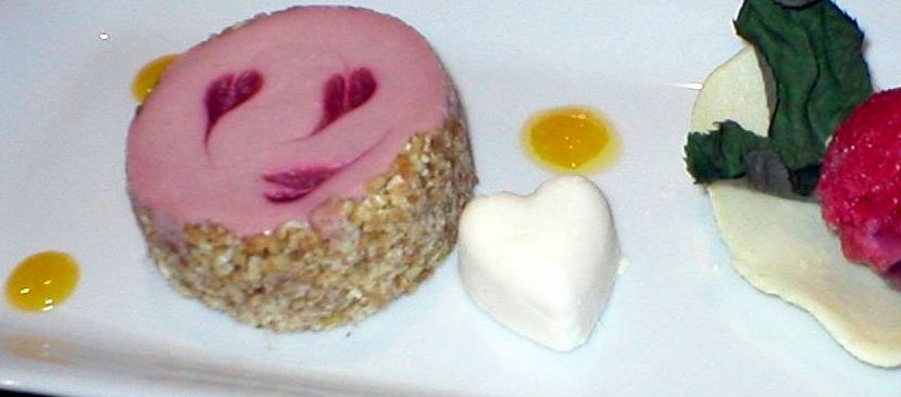 Raspberry Hearts Cheesecake | Urb'n'Spice